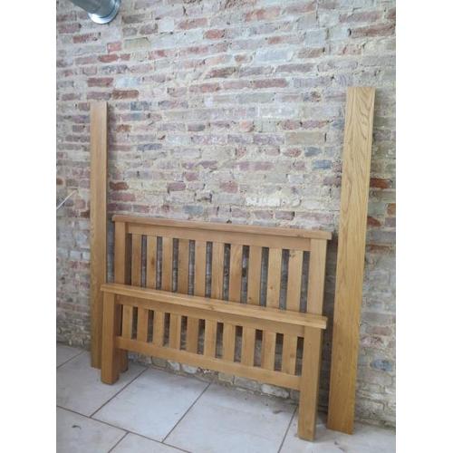 13 - A good quality oak bed, 4' 6