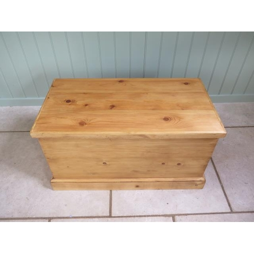 11 - A new pine toy / storage box made by a local craftsman to a high standard, 44cm tall x 80cm x 42cm