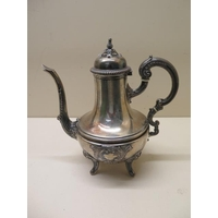 A Continental silver coffee pot, 22cm tall, approx 15.2 troy oz, no engraving, generally good condition, minor dents