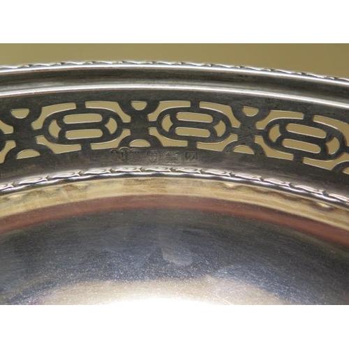 508 - A silver presentation bowl on stand, Birmingham 1924/25, 11cm tall x 22cm diameter, approx 9.3 troy ...
