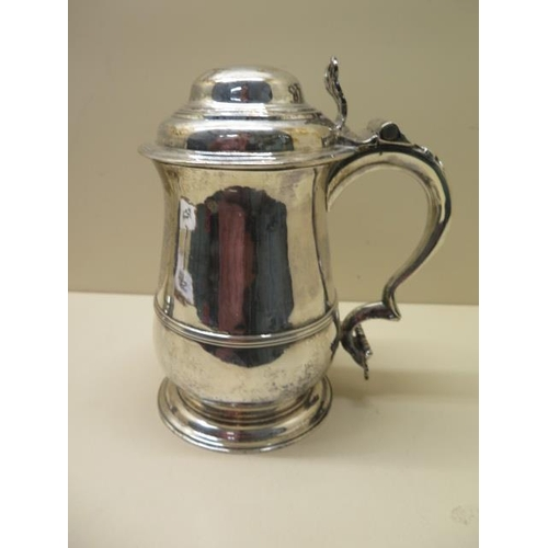 509 - A good George II silver lidded tankard, London 1757/58, maker WP, 21cm tall with engraving, approx 2...