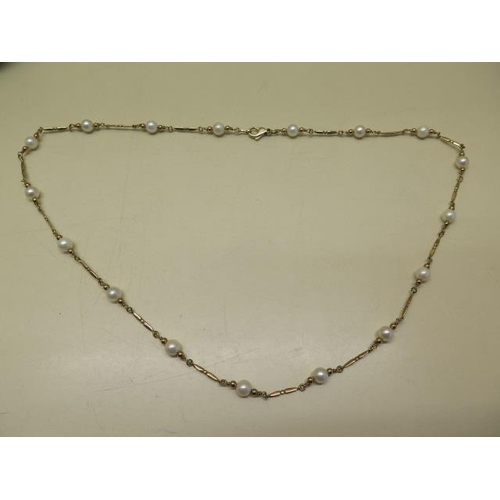 617 - A 9ct yellow gold hallmarked pearl necklace, 60 cm long, pearls approx 6mm, total weight approx 15.4...