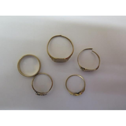 632 - Five 9ct yellow gold rings, 2 signet rings have been cut, others size M/O/R, total weight approx 13....