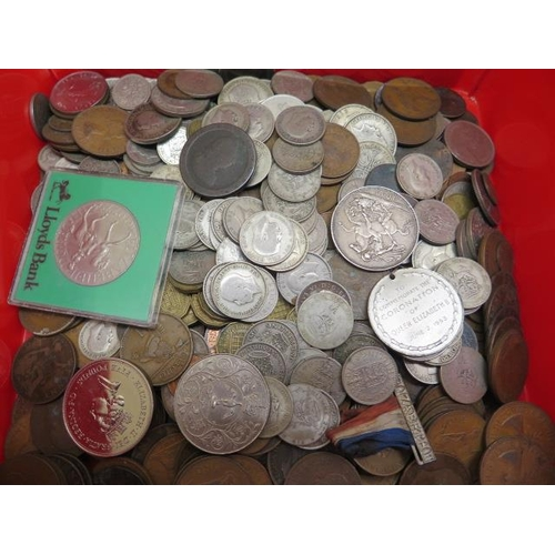 855 - A collection of mainly British coins including an 1898 silver crown