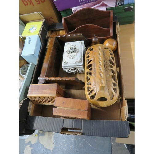 4 - Box of treen