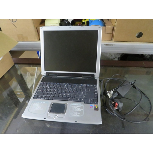 26 - Laptop w/o