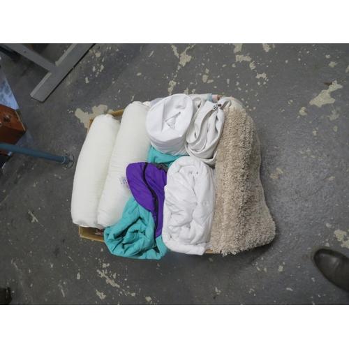 31 - Box of linens