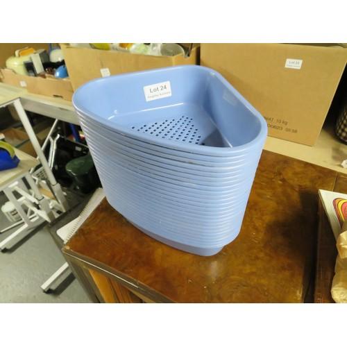 24 - 24 Kitchen sink drainers