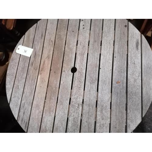 10 - Circular hardwood garden table, diam 92cm...