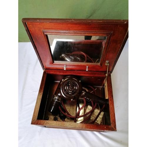 318 - A 1930s brown bakelite hairdryer in original wooden box, model Ormond E1022...