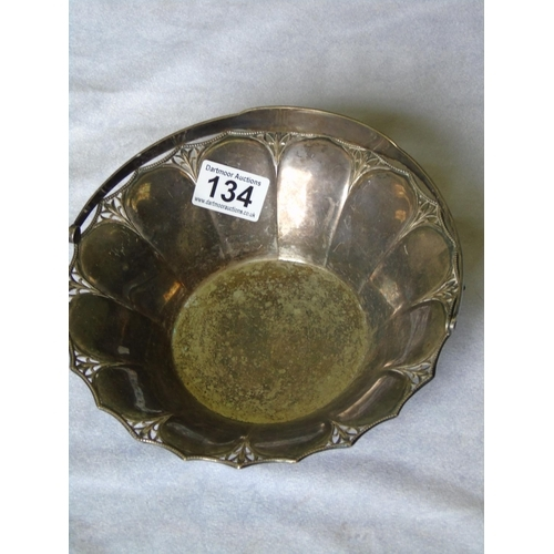 134 - A pretty silver plated basket with floral filigree design from the Art Deco era, folding handle...