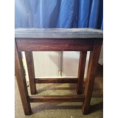 9 - An attractive oak small table,  the detatchable slate top incisised  with medieval knightly couple, ...
