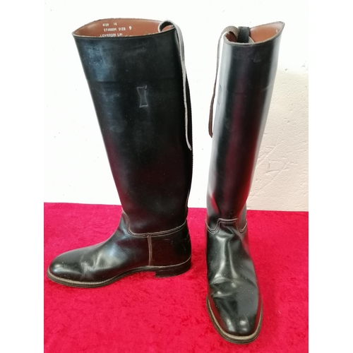 6 - Pair of Size 9 leather riding boots in excellent condition