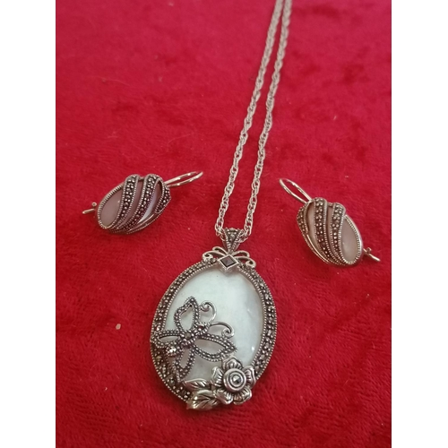 48 - Silver necklace/pendant and earrings (g25)