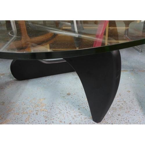 32 - AFTER ISAMU NOGUCHI, Noguchi style table, 90cm x 125cm x 40cm approx.