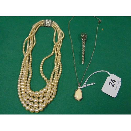 24 - Artificial pearl necklace, Art Nouveau style pendant and a white metal kilt pin....
