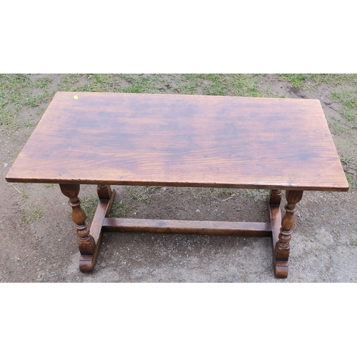 53 - An oak coffee table, 36ins x 18ins, height 18.5ins