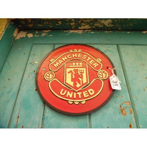 35 - Cast Man Utd Plaque (H143)...