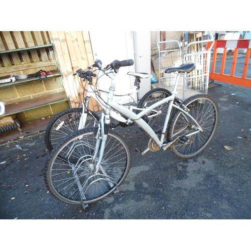 9 - B'twin suspension mountain bike...