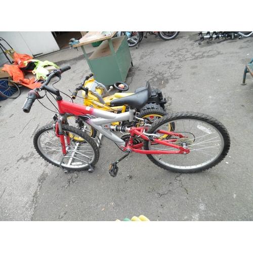 18 - Suspension mountain bike...