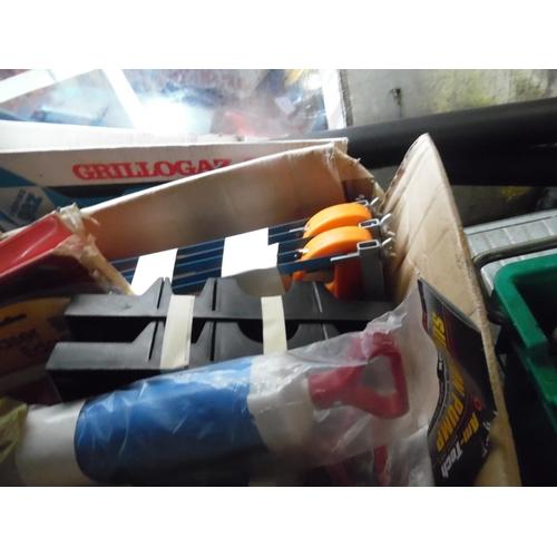 24 - Box of mixed tools...