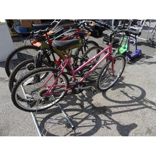 16 - Dynomax ladies bike...