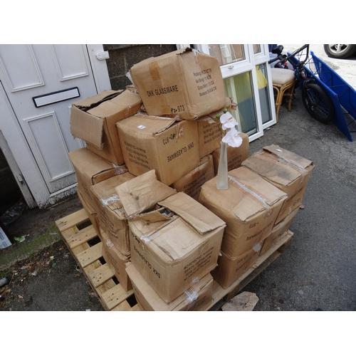 5 - LQ boxed vases...