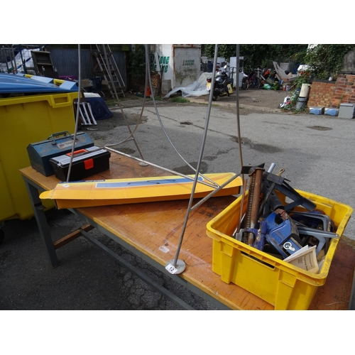 11 - Qty tools, roof bars etc...