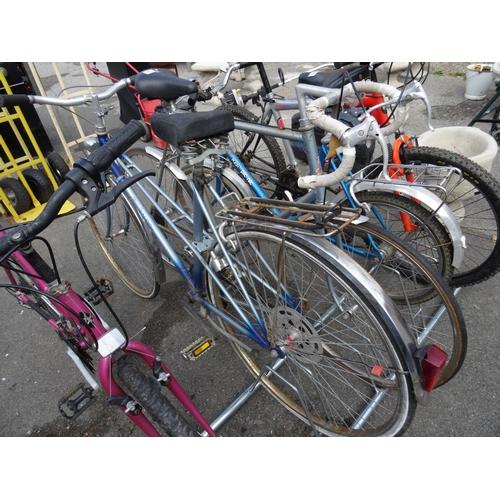 18 - 2 Vintage raleigh bikes...