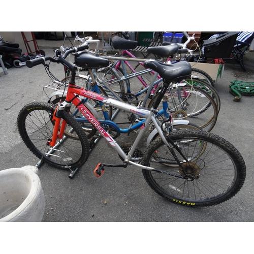 20 - Universal havoc mountain bike...