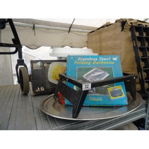 32 - Folding BBQ, electric steamer etc...