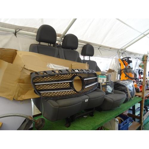 50 - Peugeot Expert Van Seats...