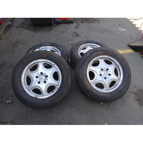 1 - Set 4 Mercedes wheels