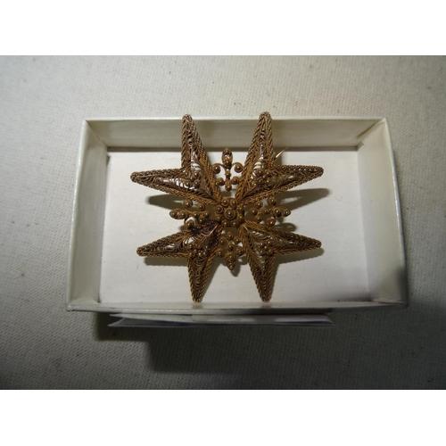375 - Maltese Yellow Metal Brooch 6.3g (Tests High Carat)
