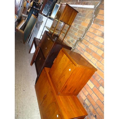 52 - LQ furniture, mirrors etc...