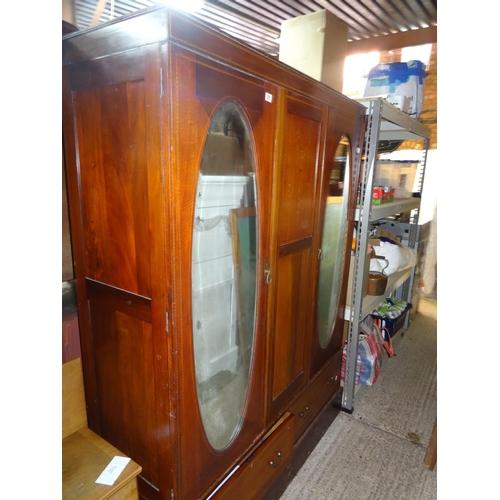 55 - Inlaid Mirror Door Wardrobe.