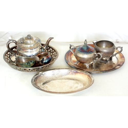 13 - Collection of Silver Plate EPNS to Include: Teapot, Milk Jugs x 2,Sugar Bowl/Cover,Sauce Boat & 3 x ...