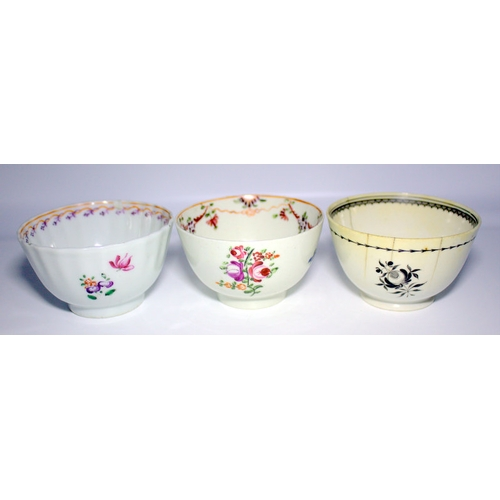 441 - Two Newhall/lowestoft Tea Bowls Together With A Liverpool Porcelain Bowl...