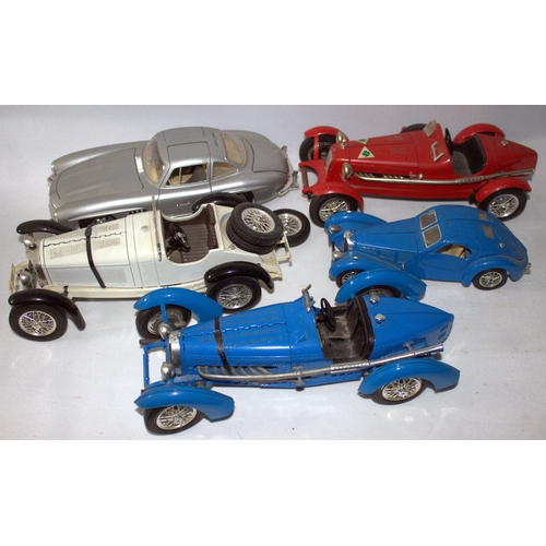 843 - Die Cast Interest, Collection Of 5 Burago Model Cars Comprising Alfa Romeo 2300 Monza 1934 1/18, Bug...