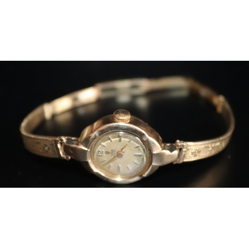 31 - Ladies 9ct Gold Vintage Rolex Tudor Royal Wristwatch...