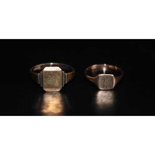 122 - 9ct Gold Signet Ring, Stamped 9ct, Ring Size R, Weight  2.6g Together With A 9ct On Silver Signet Ri...