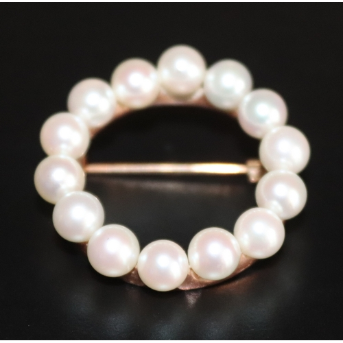38 - 9ct Gold Pearl Set Brooch Of Circular Form, Set With 14 Round 5mm Pearls, Diameter 30mm, Weight 7g...