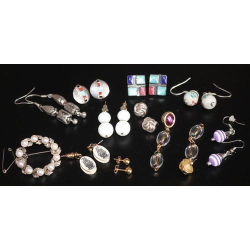 149 - Small Mixed Jewellery Lot Comprising Silver Circular Pearl Brooch And 10 Pairs Of Earrings...