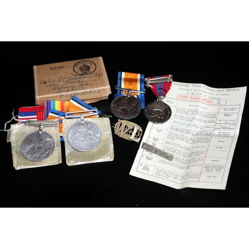 398 - Military Interest, 1914-18 Medal Marked John S Dean Together With 2 Boxed WWII Medals With Paperwork...