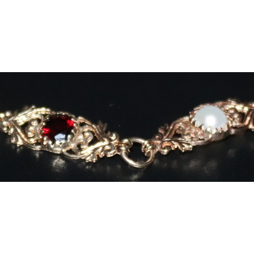 316 - 9ct Gold Stone Set Bracelet, Alternating Split Pearl And Red Stone (One Missing), Length 7 Inches, W...