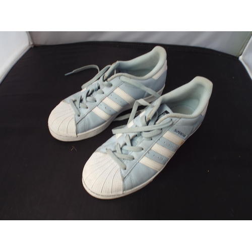 24 - Lady's Superstar trainers size 5...