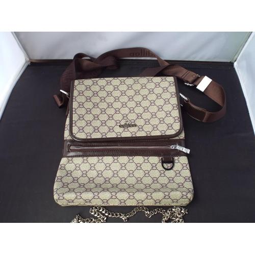 31 - Small Aollibao bag...