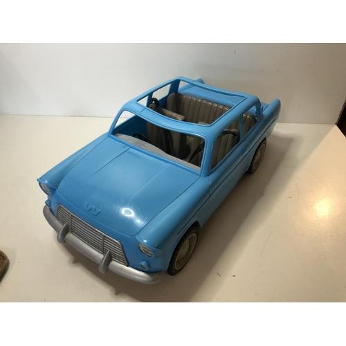 41 - Harry Potter Weasley car