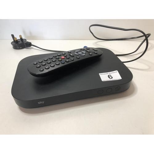 6 - Sky mini Q box with remote