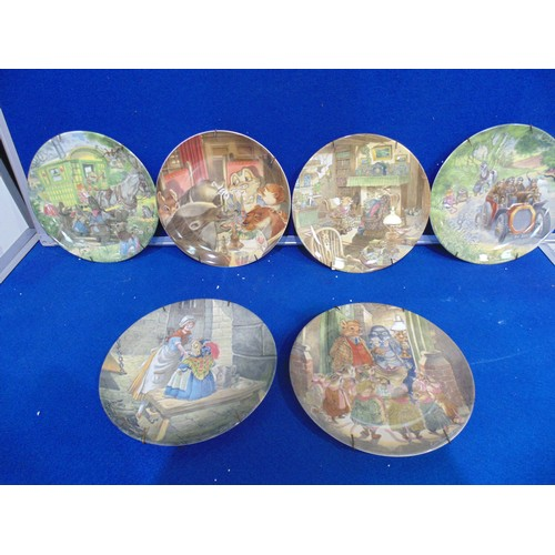 55 - A collection of wind in the willow plates x5 including  -escape from jail  -the carol singers  -poop...